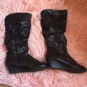 Shoes - Knee High Slouchy Boots